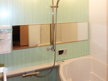 「人造大理石素材クレリアパール」の高級浴槽で、くつろげるバスルームになりました。