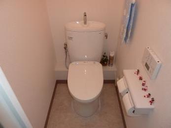 節水性の高いシンプルでスッキリとした空間のトイレに!