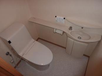 節水力の高くシンプルなデザインのトイレへ