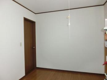 2階洋室に壁を新設し、子供部屋に