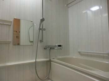 ゆったりとくつろげる快適な浴室へ